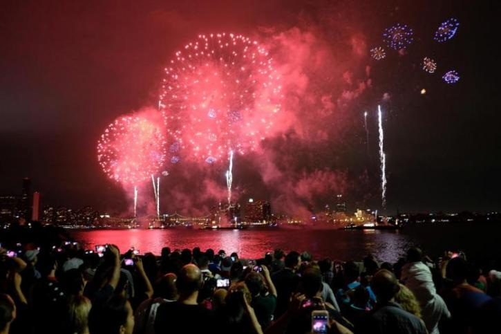 best places in nyc to watch fireworks