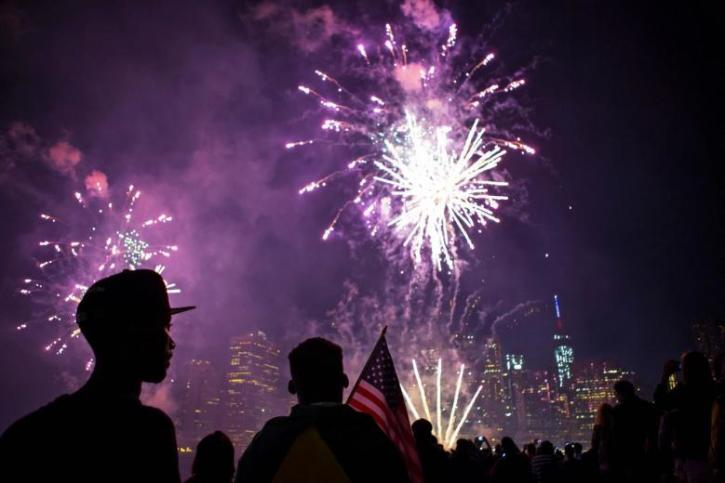Macy S 4th Of July Fireworks 2017 Start Time Map Entry Points And