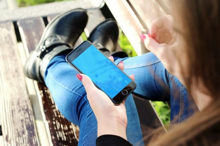 Smartphone Technology Causing Mental Health Crisis Parents Urged To