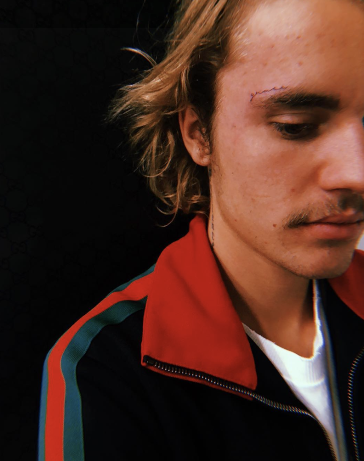 Justin Bieber Gets Grace Tattooed On Face Singer Inspires Tattoo