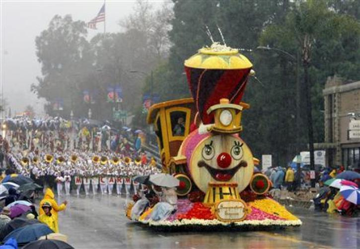 A Float Drives Down Colorado Boulevard During The Annual Tournament Of Roses Parade In Pasadena California In This January 2 2006 File P Ograph