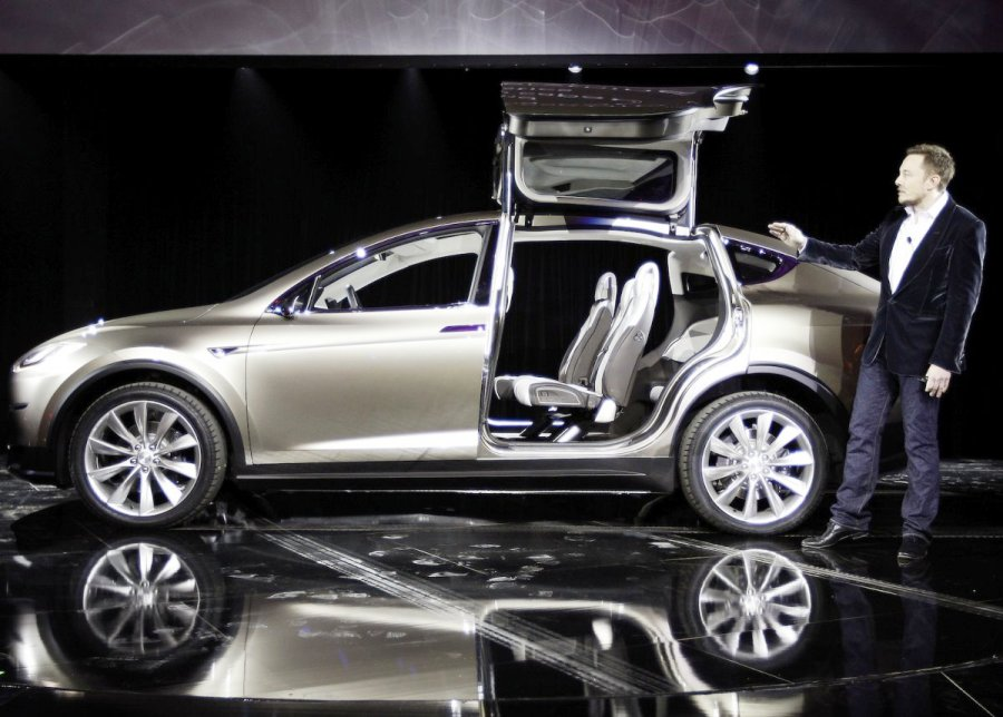 tesla model x release date confirms fall launch date the christian post. Black Bedroom Furniture Sets. Home Design Ideas