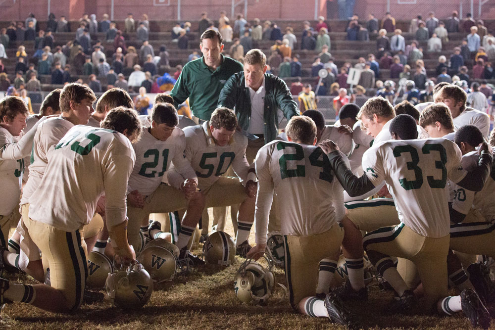 Woodlawn Racially Torn Football Team Finds Unity In Jesus Christ